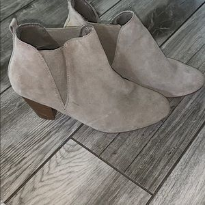 Camel/grey boots